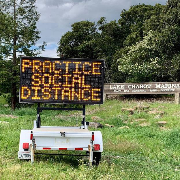 lake chabot social distance sign